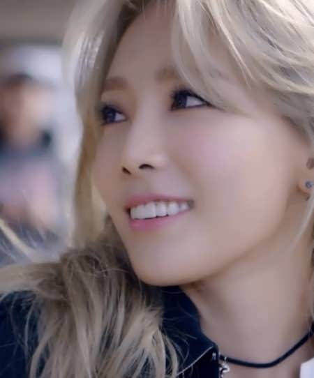 Taeyeon 2015 - Did she have double eyelid surgery?