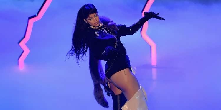 Rihanna 2016