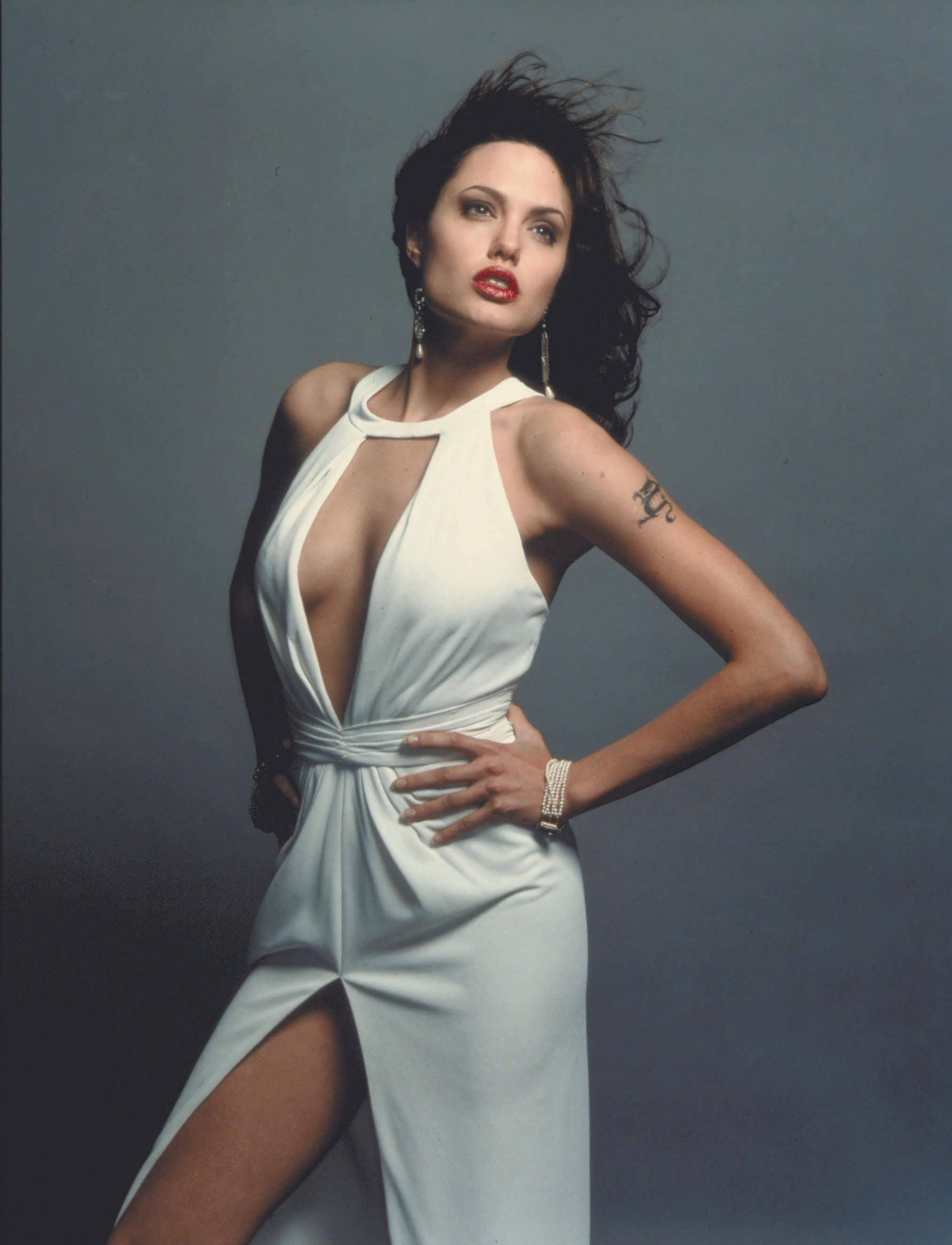 Angelina 1998