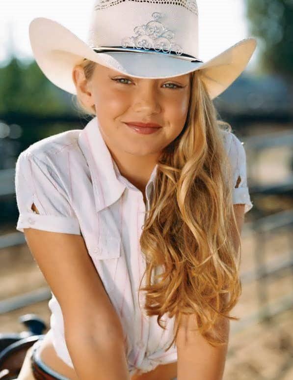 Gigi Hadid 2006