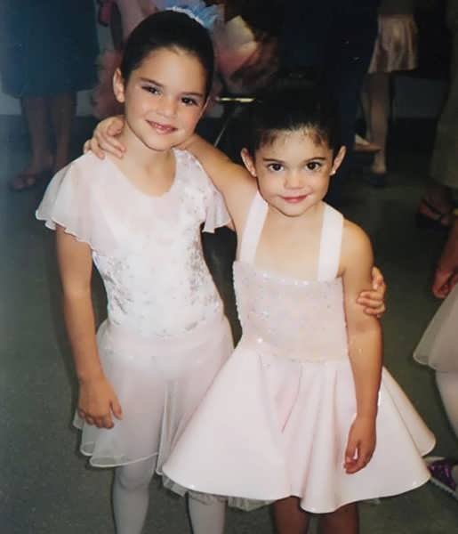 Young Kylie Jenner with her sister, Kendall