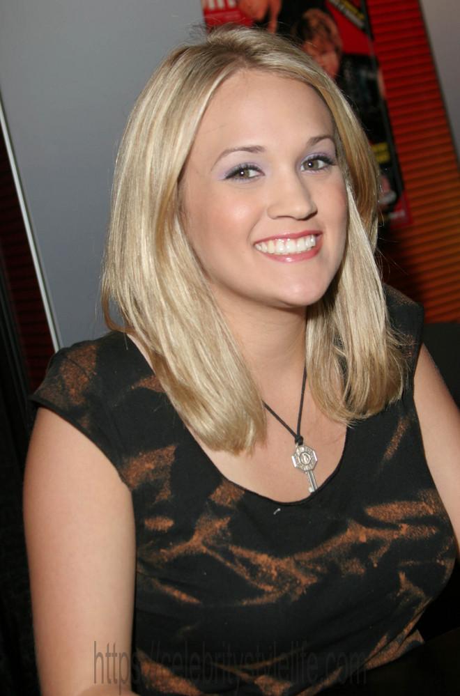 Carrie Underwood in 2005