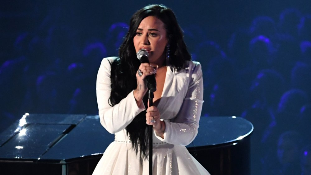 Demi Lovato realiza