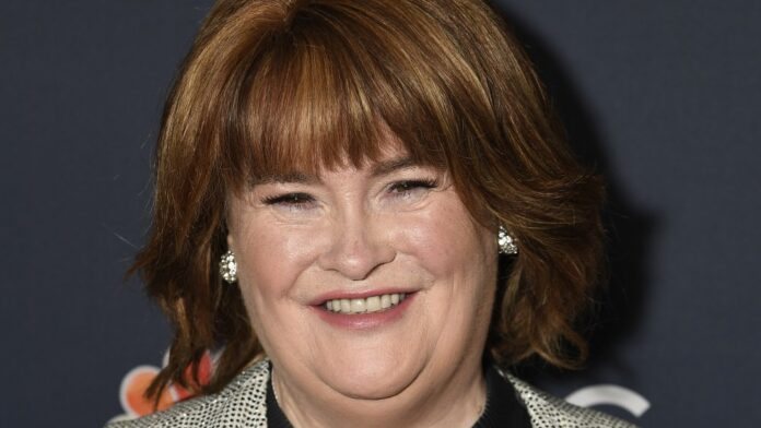 Susan Boyle atiende 'America's Got Talent' Temporada 14 Live Show Red Carpet